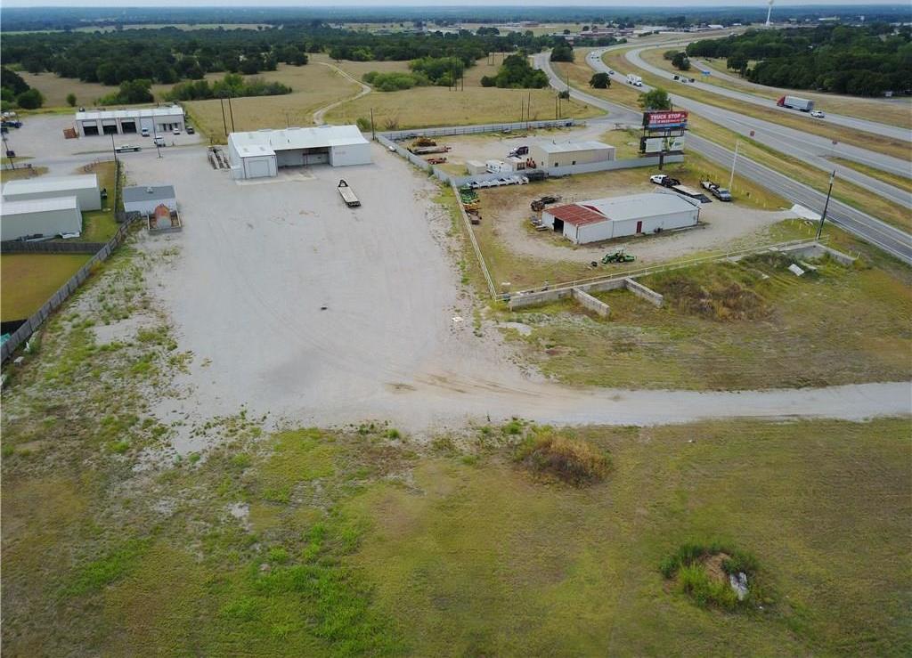 Property for Rent | 707 S Wickham Street Alvord, TX 76225 4