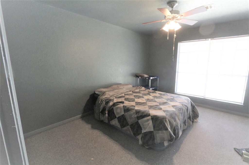 Pending   12556 Robin  Lane Willis, TX 77378 15