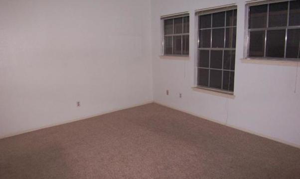 Leased | 808 W 29th Street #303 Austin, TX 78705 10