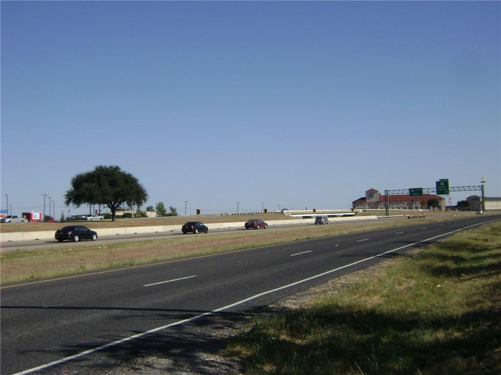 Active | TBD I-35W  Alvarado, TX 76009 4