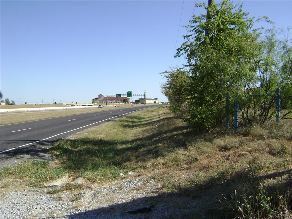 Active | TBD I-35W  Alvarado, TX 76009 5