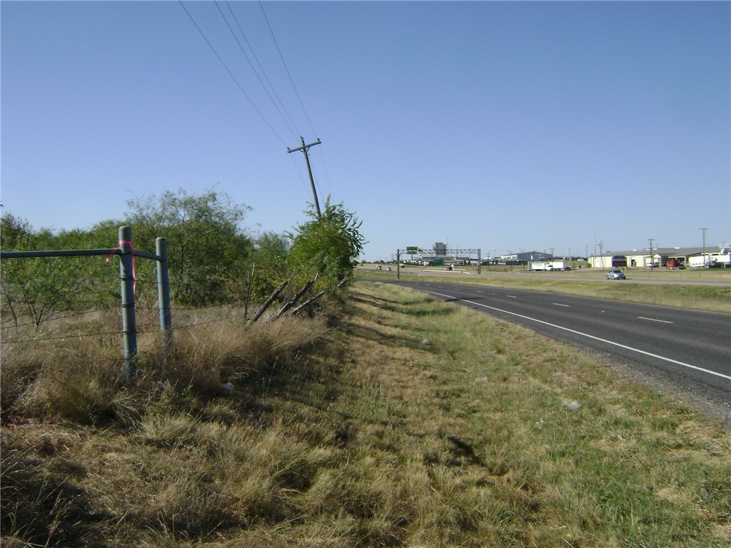 Active | TBD I-35W  Alvarado, TX 76009 6