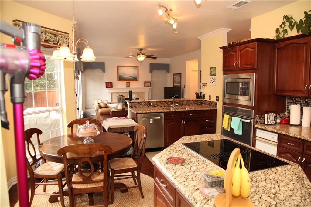 Sold Property | 1211 Saint Regis Drive Irving, Texas 75038 12