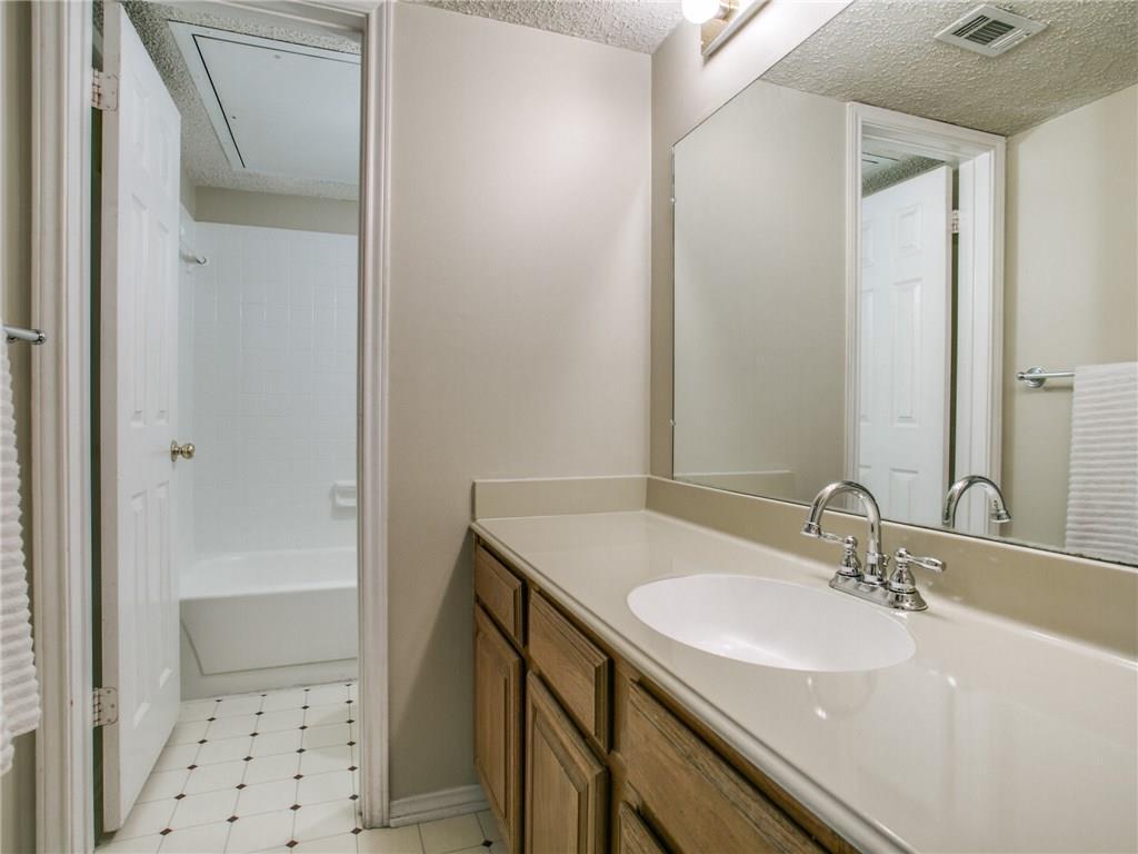 Sold Property | 6210 Oram Street #8 Dallas, Texas 75214 12