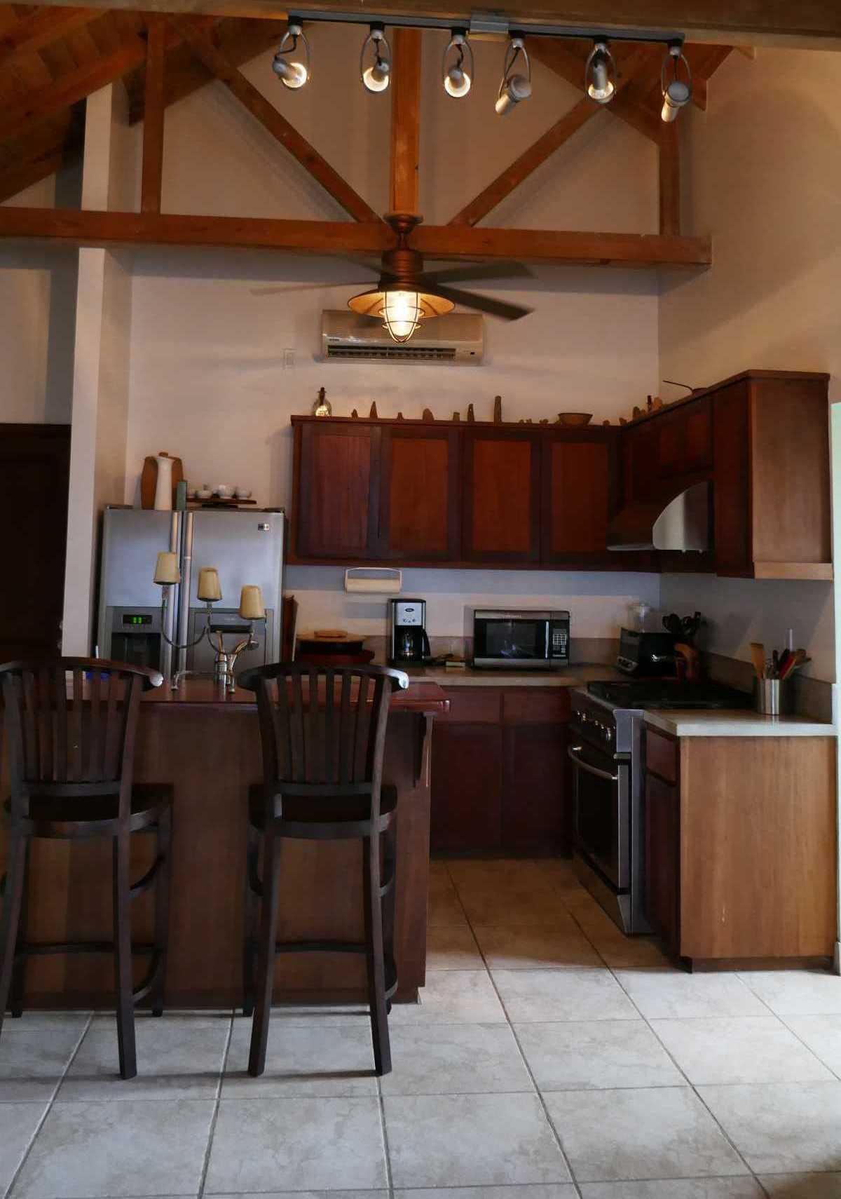 Vacation Rentals in Roatan Honduras   Casa Del Solomon Roatan, Honduras  12