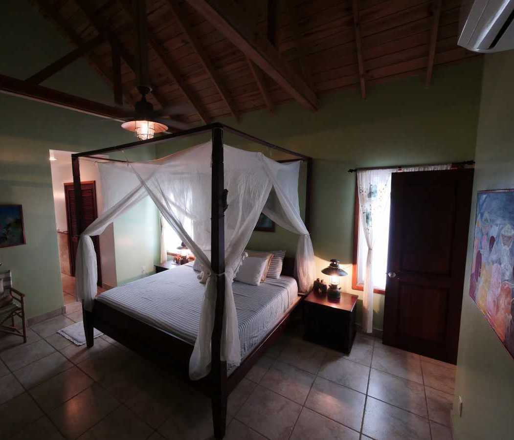 Vacation Rentals in Roatan Honduras   Casa Del Solomon Roatan, Honduras  21