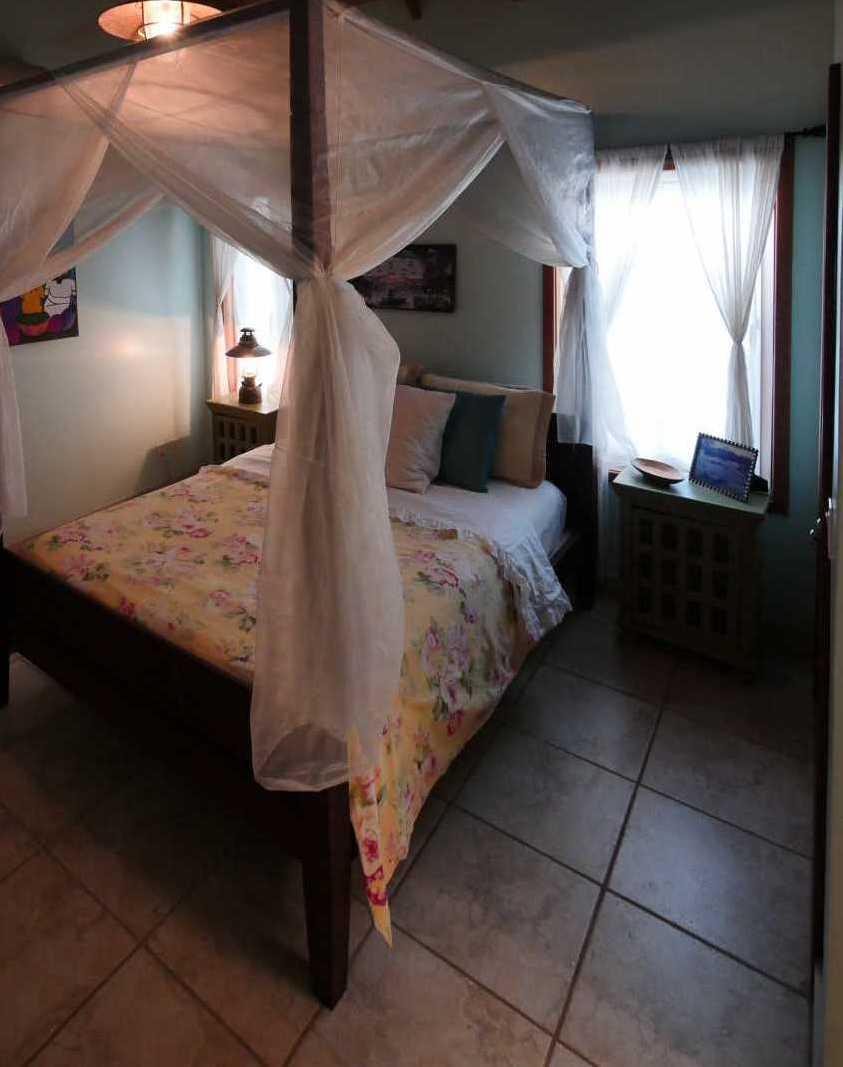 Vacation Rentals in Roatan Honduras   Casa Del Solomon Roatan, Honduras  23