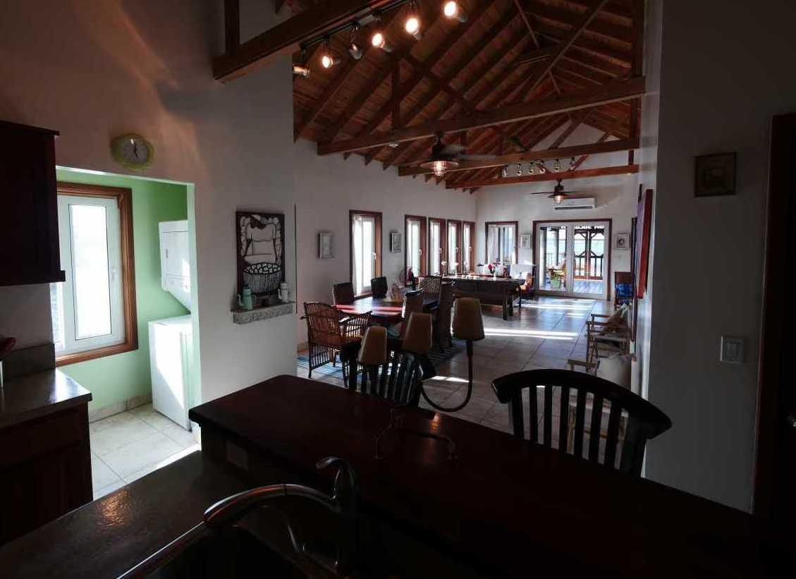 Vacation Rentals in Roatan Honduras   Casa Del Solomon Roatan, Honduras  24