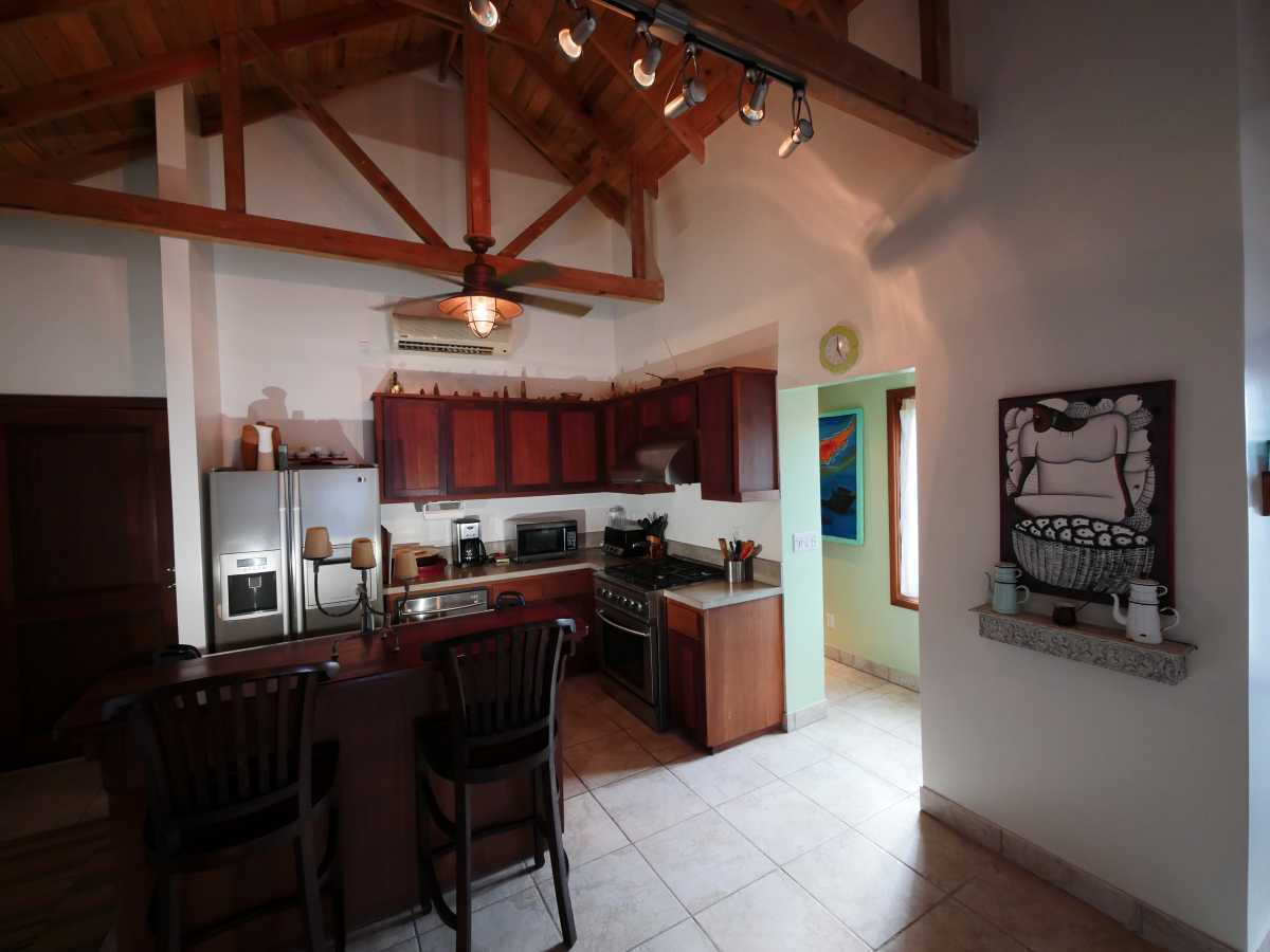 Vacation Rentals in Roatan Honduras   Casa Del Solomon Roatan, Honduras  25