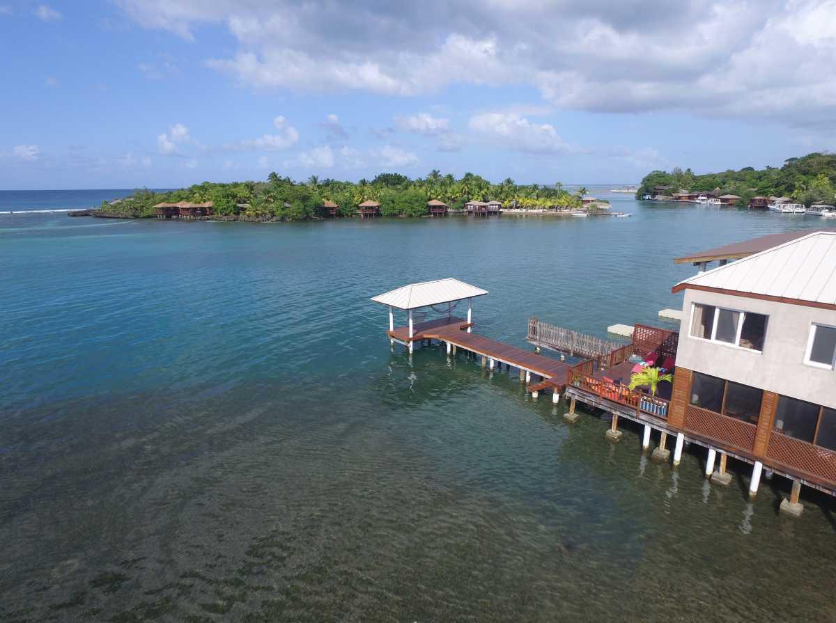 Vacation Rentals in Roatan Honduras   Casa Del Solomon Roatan, Honduras  5
