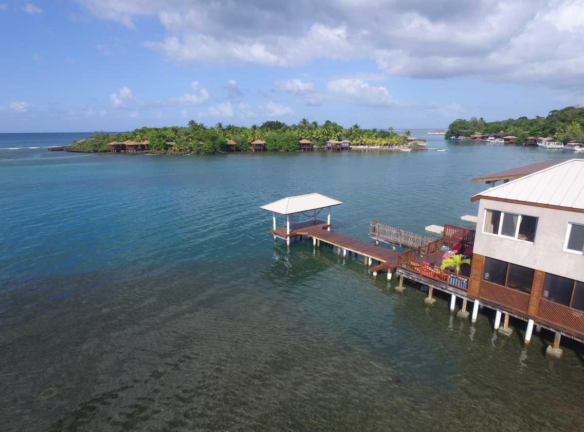 Vacation Rentals in Roatan Honduras   Casa Del Solomon Roatan, Honduras  6