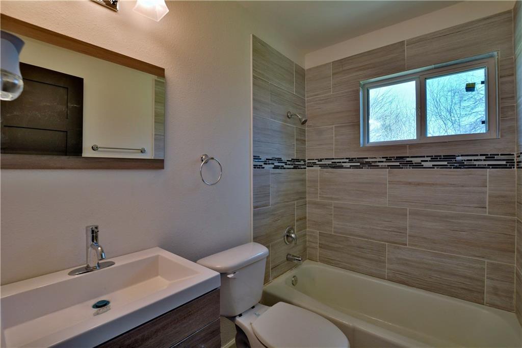 Sold Property   6035 Bluebell CIR Austin, TX 78741 12