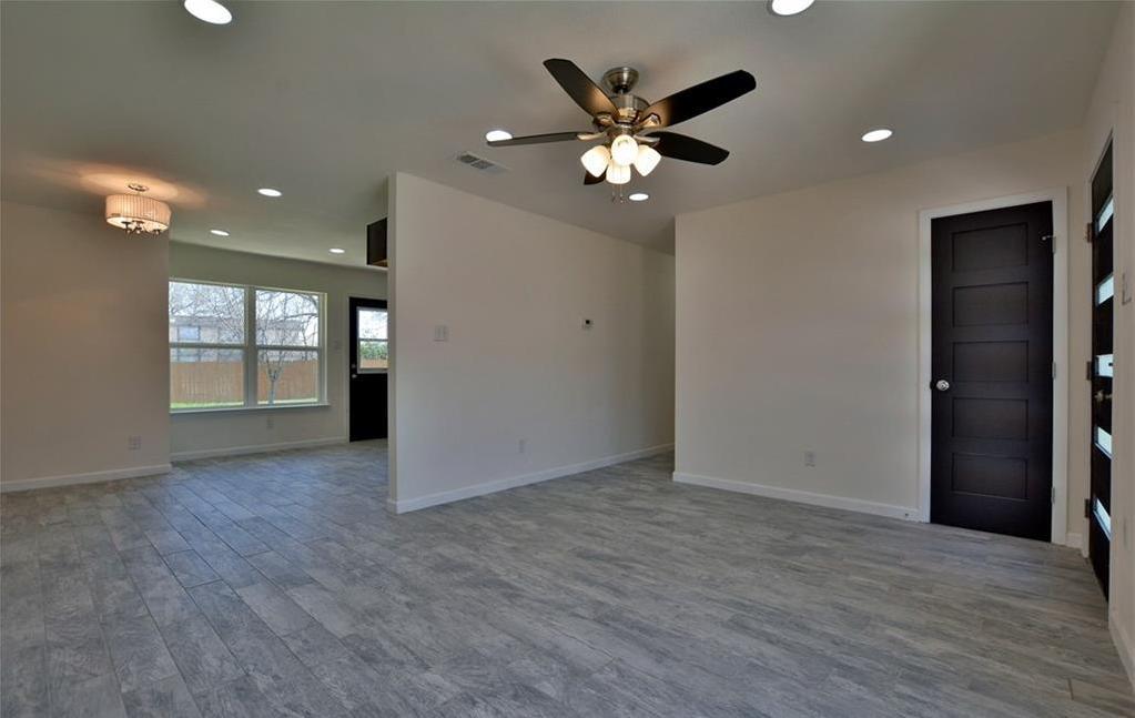 Sold Property   6035 Bluebell CIR Austin, TX 78741 8