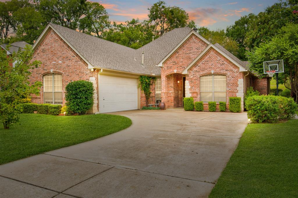 Active | 5921 Riverbend  Place Fort Worth, TX 76112 2