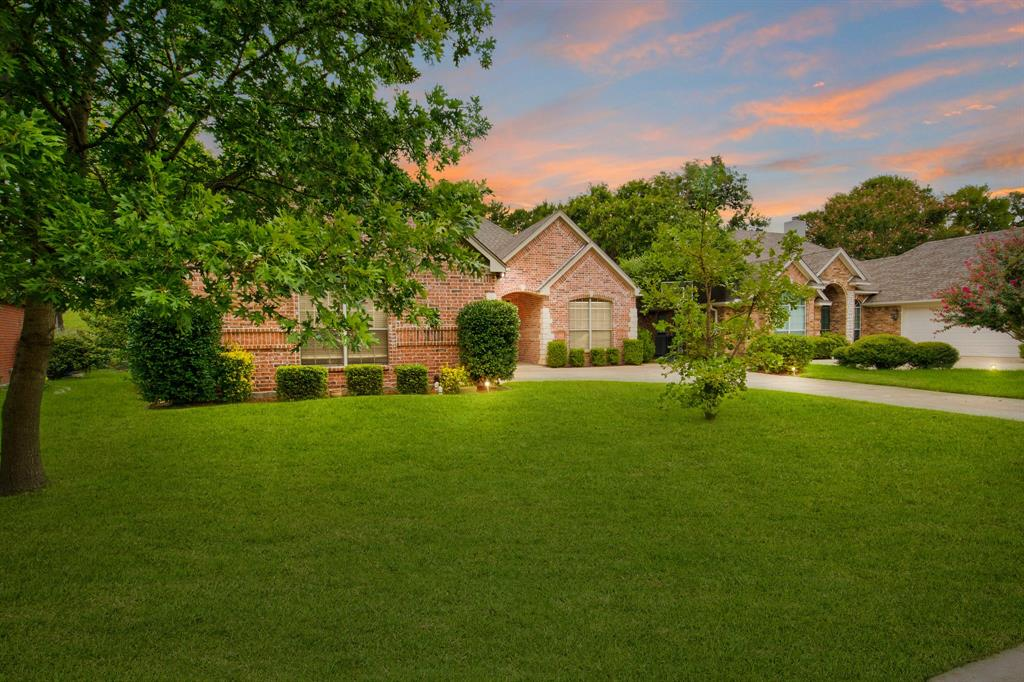 Active | 5921 Riverbend  Place Fort Worth, TX 76112 3