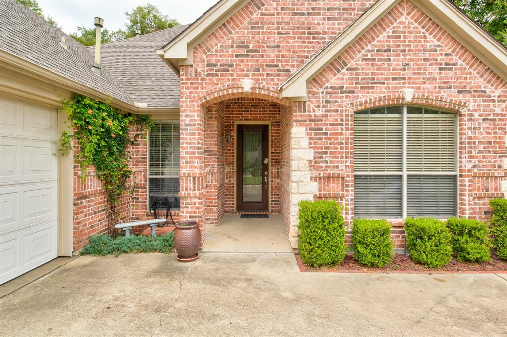 Active | 5921 Riverbend  Place Fort Worth, TX 76112 4