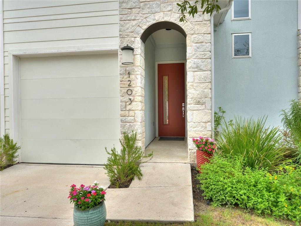 Active Under Contract | 3108 E 51st  Street Austin, TX 78723 4