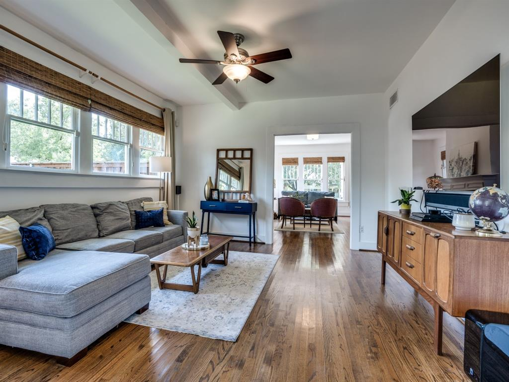 Sold Property | 700 Huntley  Street Dallas, TX 75214 10