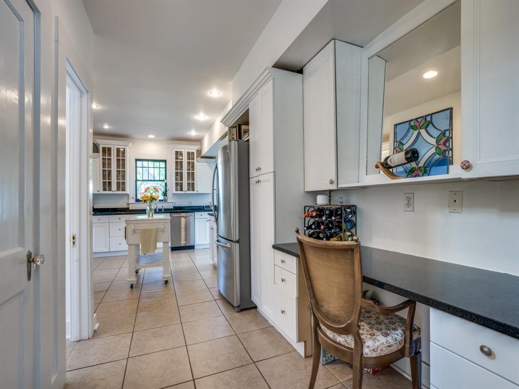 Sold Property | 700 Huntley  Street Dallas, TX 75214 16