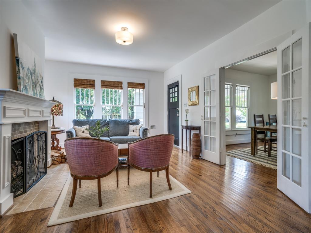 Sold Property | 700 Huntley  Street Dallas, TX 75214 6
