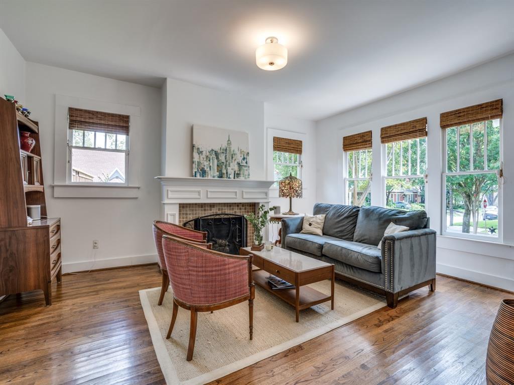 Sold Property | 700 Huntley  Street Dallas, TX 75214 7