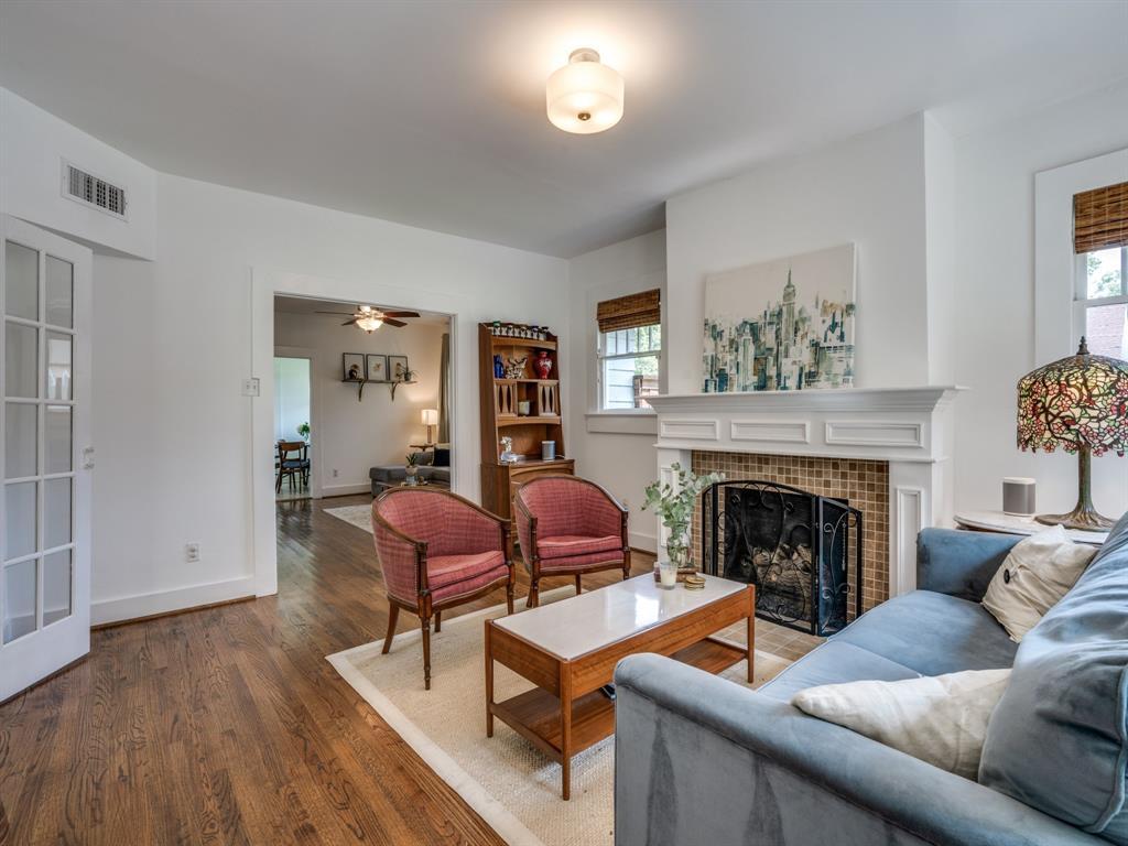 Sold Property | 700 Huntley  Street Dallas, TX 75214 8