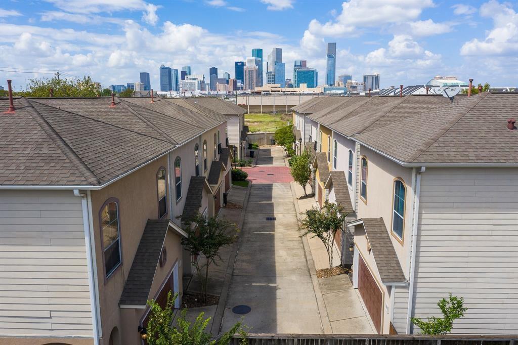 Active | 921 McKinney Park  Lane Houston, TX 77003 1