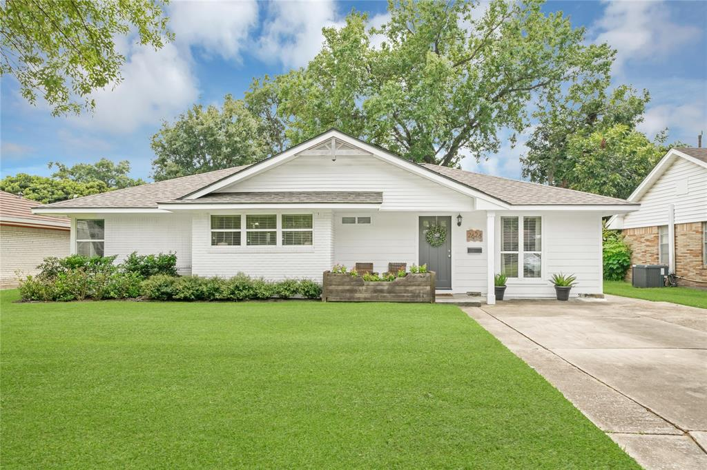 Active | 2626 Willowby  Drive Houston, TX 77008 1