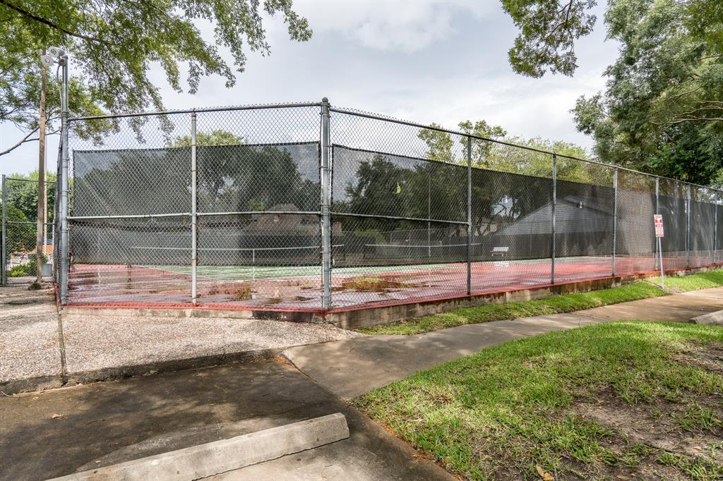 Off Market | 2110 Willowlake Drive Houston, Texas 77077 33