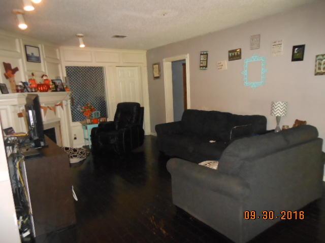 Closed | 410 BAY Street Miami, OK 74354 5