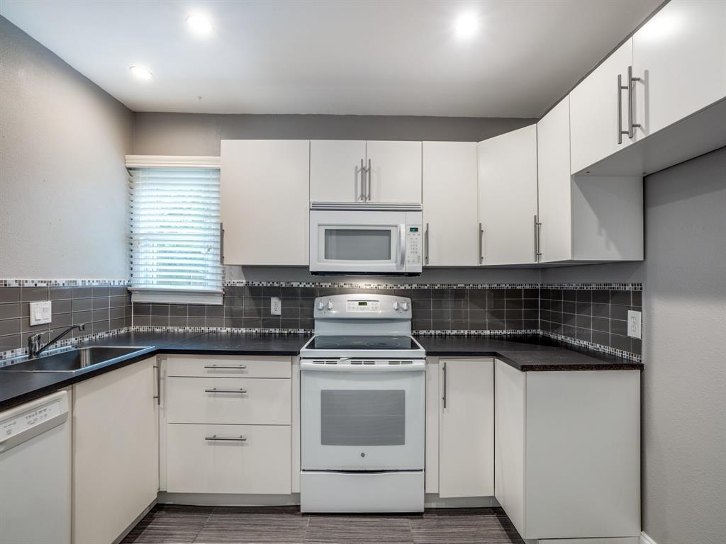 Sold Property | 2611 Ivandell Avenue Dallas, Texas 75211 13