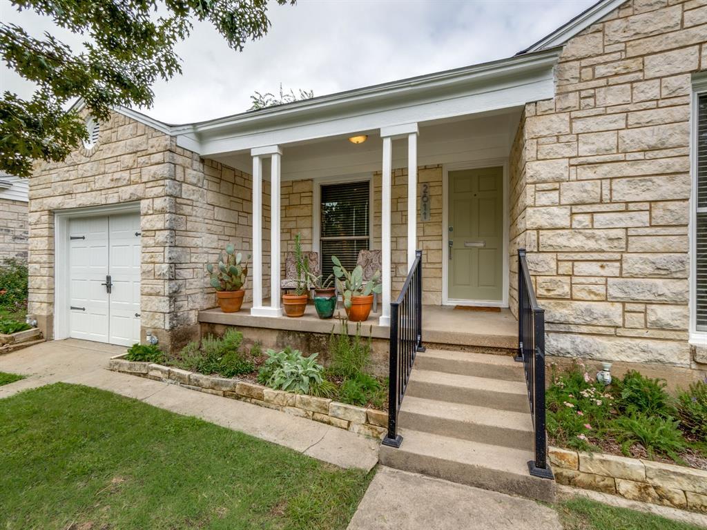Sold Property | 2611 Ivandell Avenue Dallas, Texas 75211 3