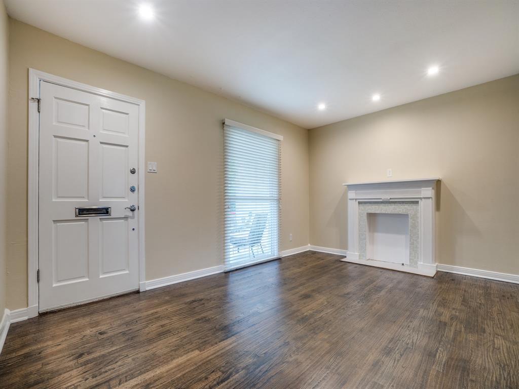 Sold Property | 2611 Ivandell Avenue Dallas, Texas 75211 7