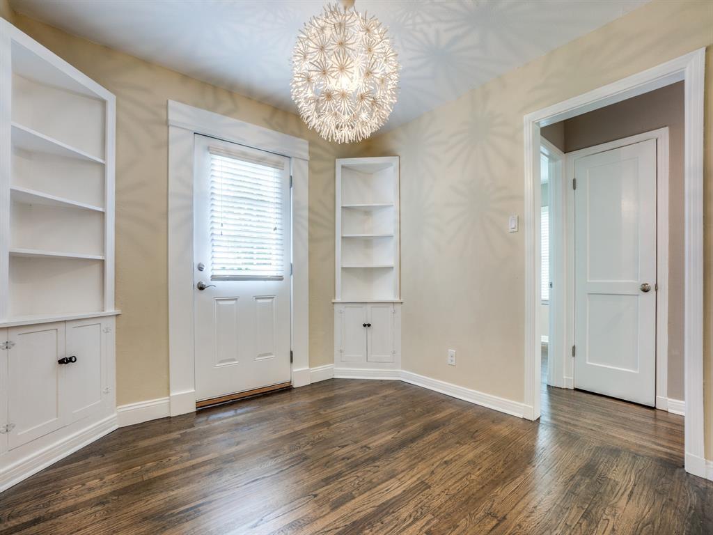 Sold Property | 2611 Ivandell Avenue Dallas, Texas 75211 9