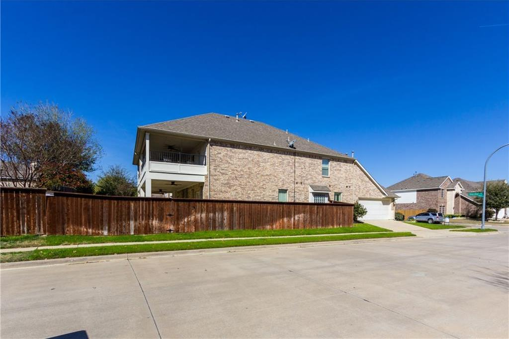 Sold Property | 1332 Shalimar Drive Fort Worth, Texas 76131 2