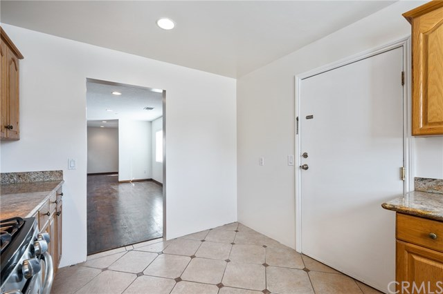 Active | 4155 W 169th  Street Lawndale, CA 90260 11