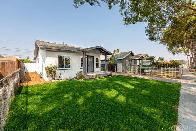 Active Under Contract | 629 W 105th  Street Los Angeles, CA 90044 1