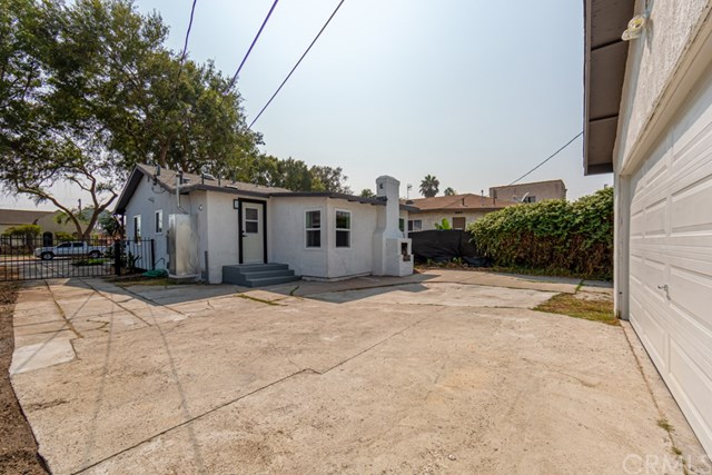 Active Under Contract | 629 W 105th  Street Los Angeles, CA 90044 36