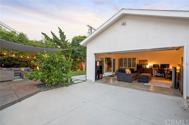 Active Under Contract | 6920 W 84th  Place Westchester, CA 90045 39