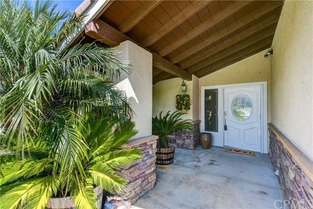 Pending | 827 Citron  Street Corona, CA 92882 3