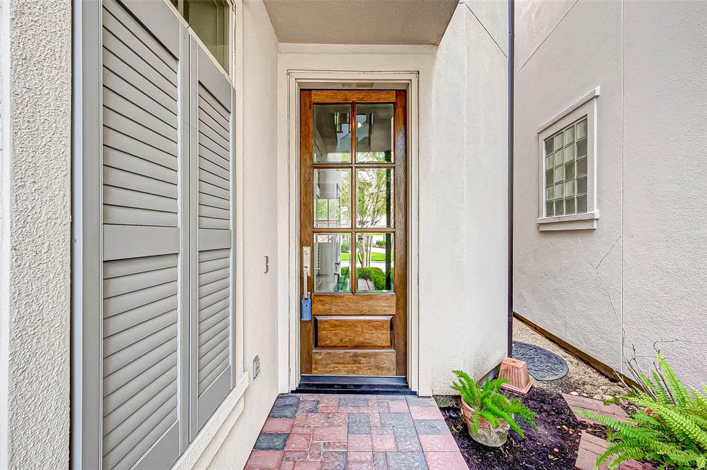 Active | 66 Wooded Park  Place The Woodlands, TX 77380 1