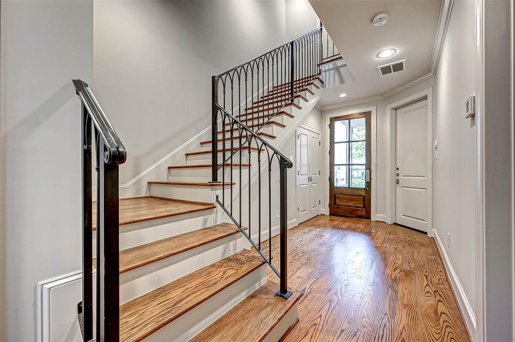 Active | 66 Wooded Park  Place The Woodlands, TX 77380 2