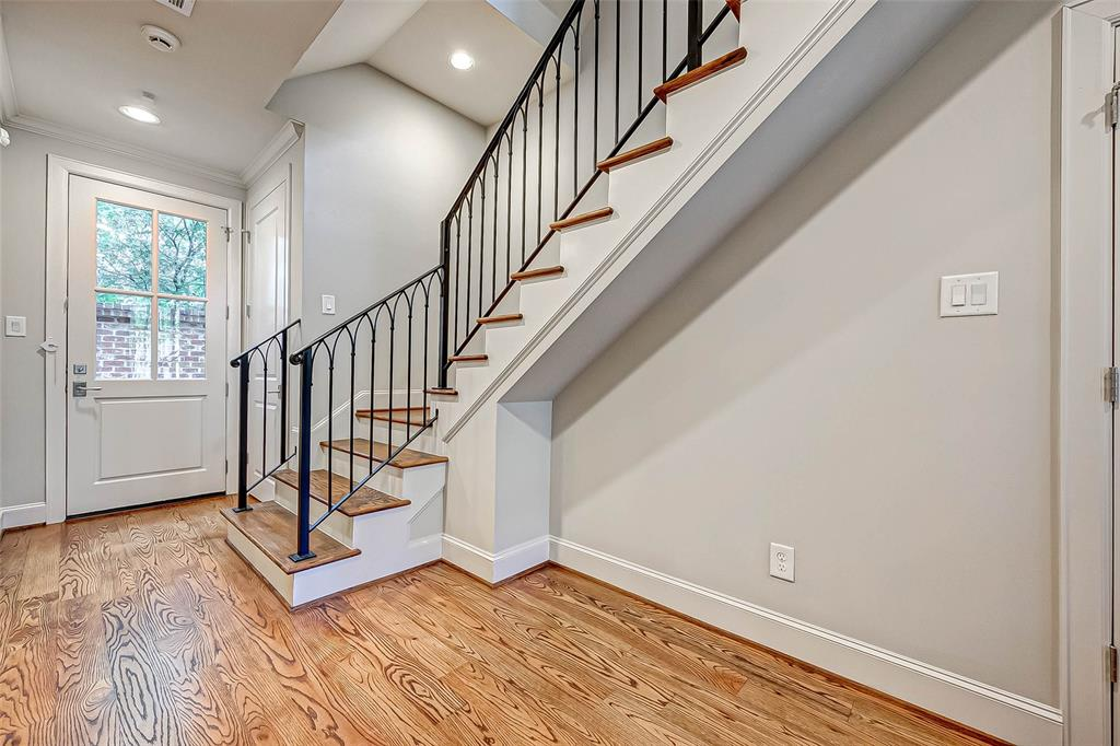 Active | 66 Wooded Park  Place The Woodlands, TX 77380 3