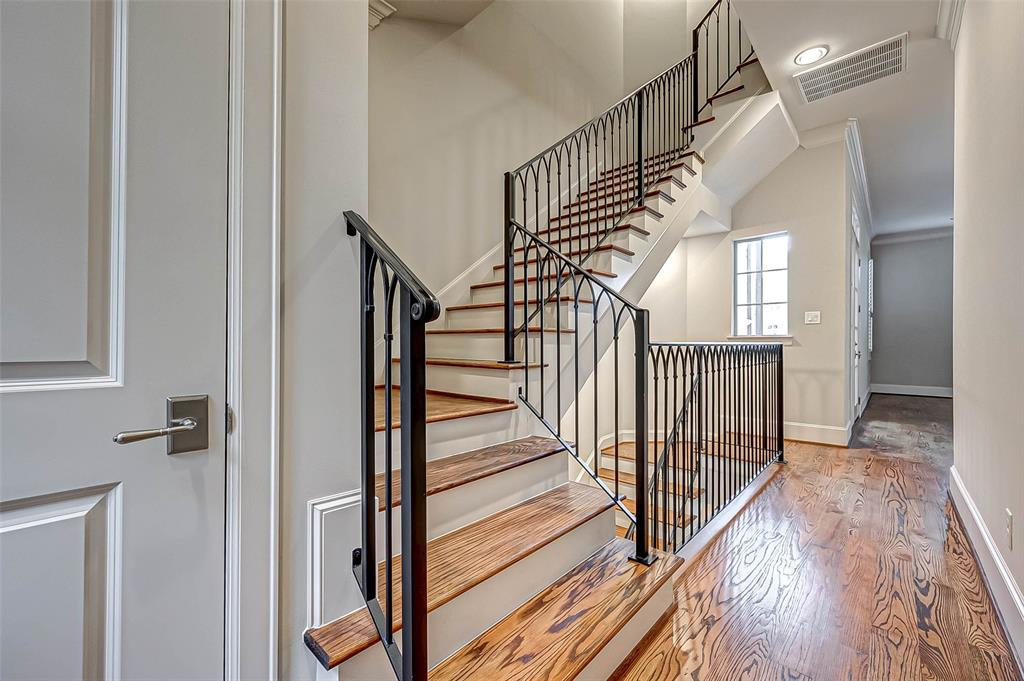 Active | 66 Wooded Park  Place The Woodlands, TX 77380 4