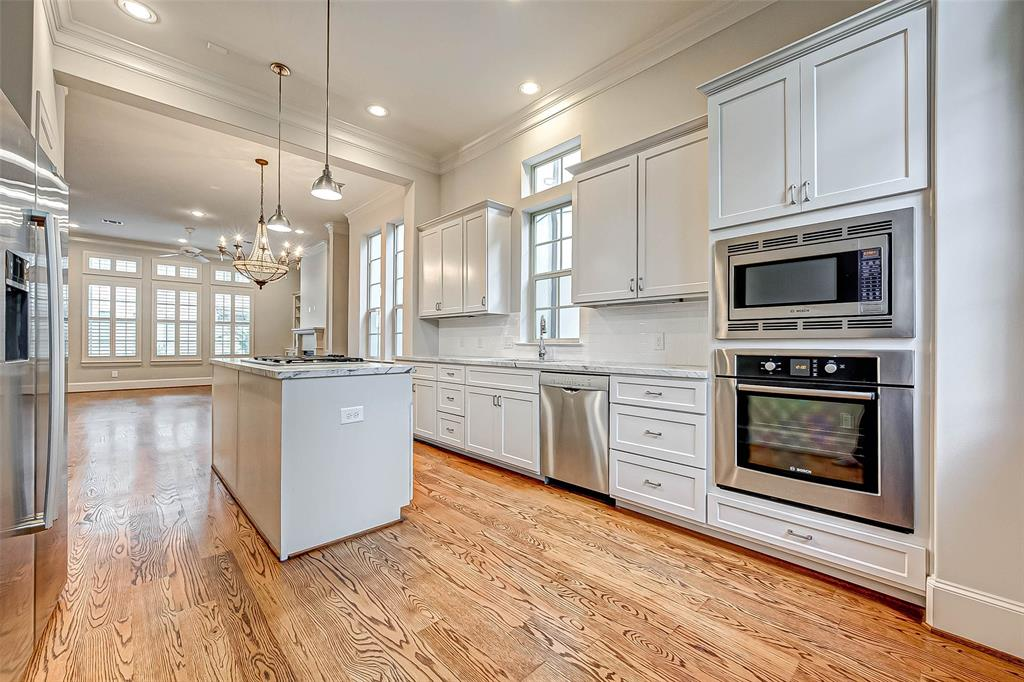 Active | 66 Wooded Park  Place The Woodlands, TX 77380 7