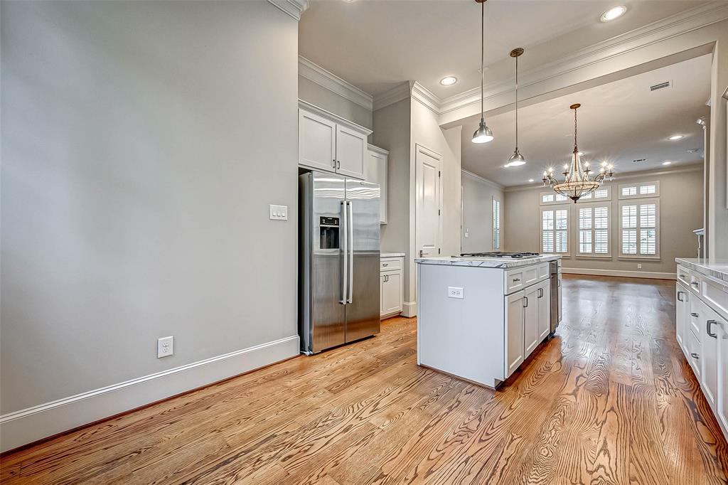 Active | 66 Wooded Park  Place The Woodlands, TX 77380 8