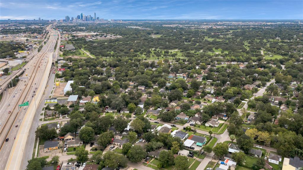Active | 6718 Moss Rose  Street Houston, TX 77087 21