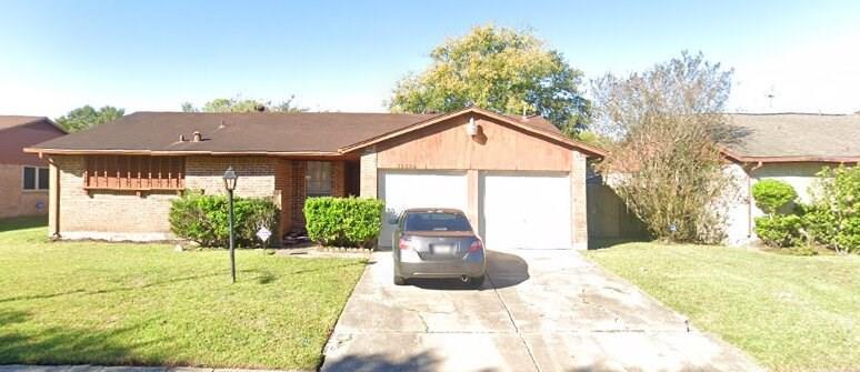 Active | 15806 Blueridge Road Houston, Texas 77489 1