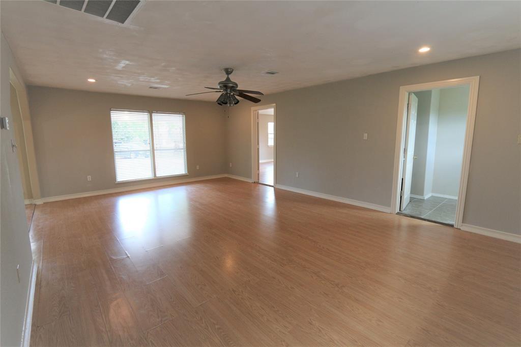 Pending | 610 Maple  Avenue Fresno, TX 77545 19