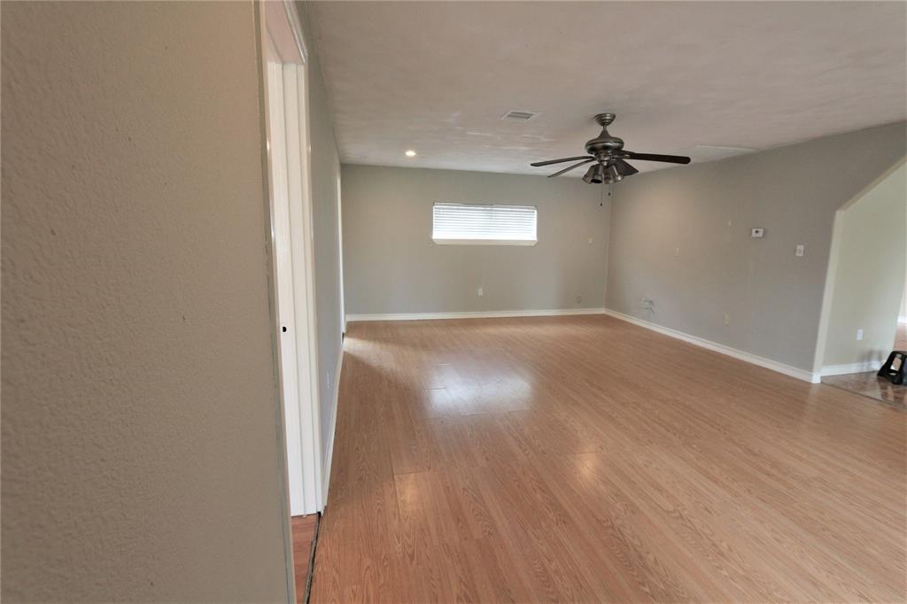 Pending | 610 Maple  Avenue Fresno, TX 77545 10